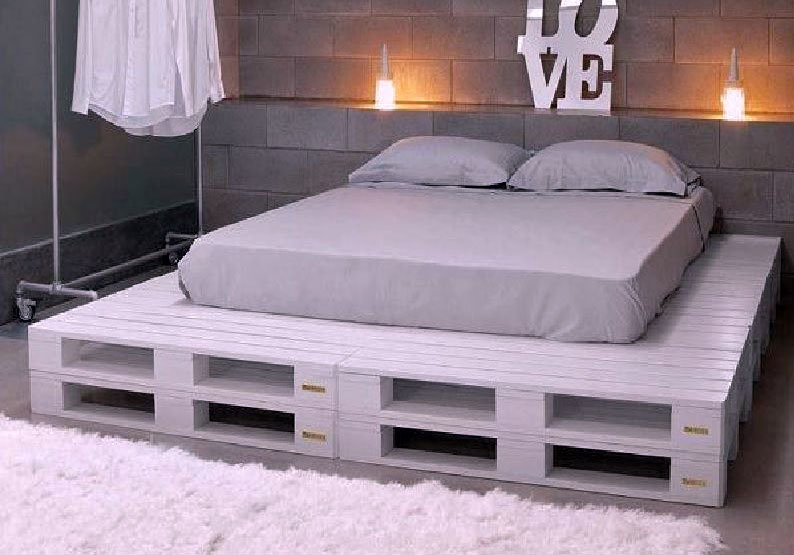 Pallet bed 240×240 cm | 2 lagen met achterwand