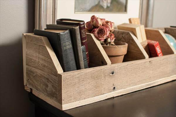 DIY Pallet Storage Cubby  Pallet Furniture DIY