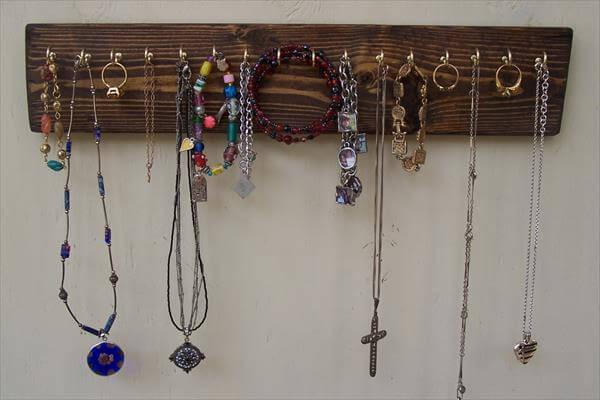 DIY Pallet Coat Rack Pallet Jewelry Rack with Storage Shelves DIY ...