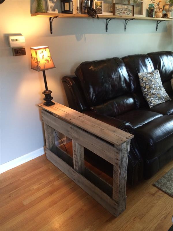 DIY Handmade Pallet Side Table  Pallet Furniture Plans
