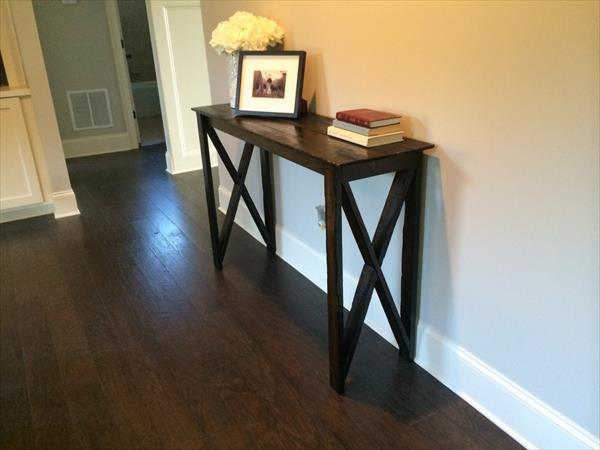 DIY Pallet Hallway Table  Pallet Furniture Plans