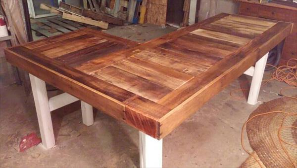 DIY Recycled Pallet LShaped Desk  Pallet Furniture Plans