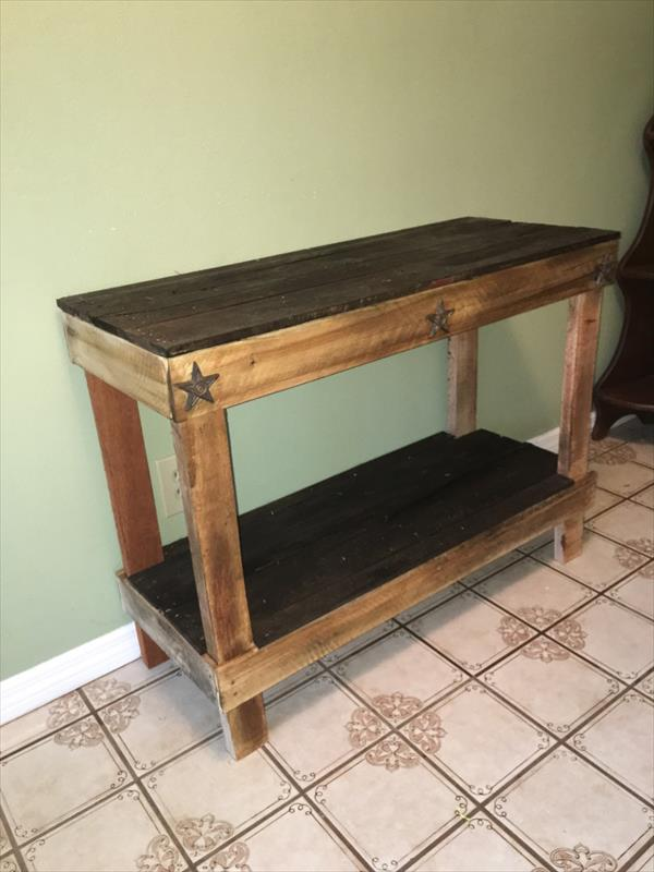 Pallet Hallway  Entryway Table  Pallet Furniture Plans