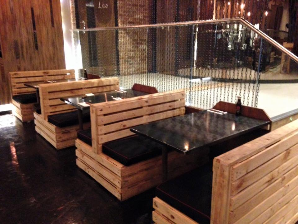 Pallet Seating Set for Restaurant  Pallet Furniture Plans