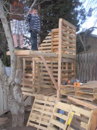 Awesome Pallet Treehouse | palletprojects
