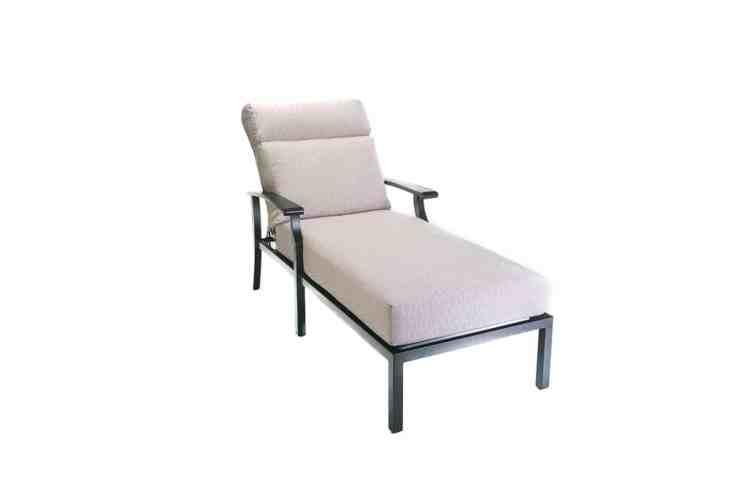 Newport Single Cushioned Chaise Lounge