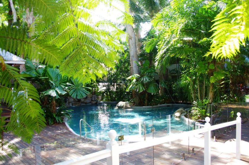Palm Cove Tropic Pool