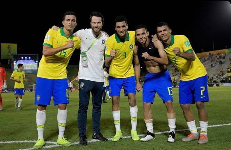 Divulgação_Renan, o médico Guilherme Dilda, Henri, Garcia e Veron representaram o Palmeiras no Mundial Sub-17