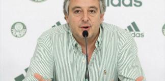 Presidente do Palmeiras, Paulo Nobre fala em coletiva.