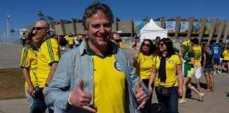 Presidente do Palmeiras acompanha jogo do Brasil no Mineirão.