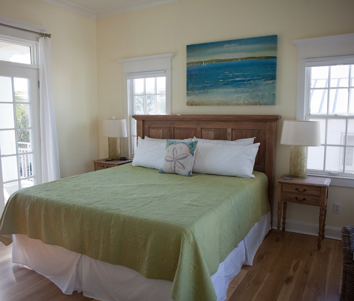 Simple green coastal bedroom design