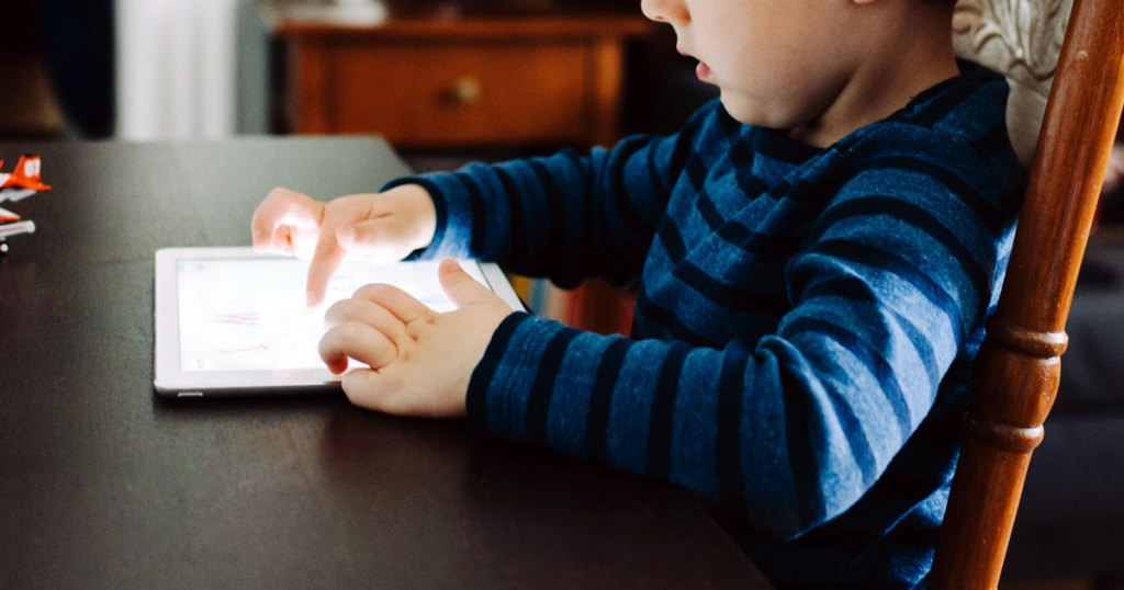 Are Your Kids Getting Too Much Screen Time This Summer?