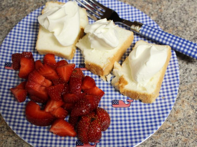 strawberries and angel food cake