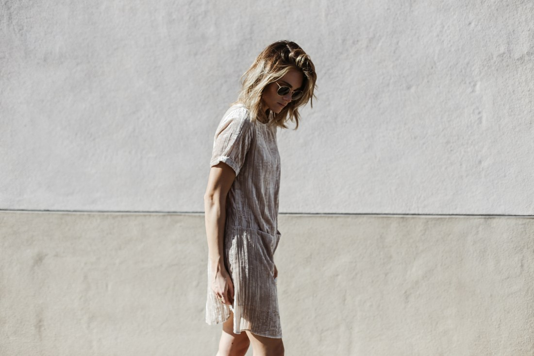Crushed velvet dress on Jen Hawkins for Palms to Pines style blog