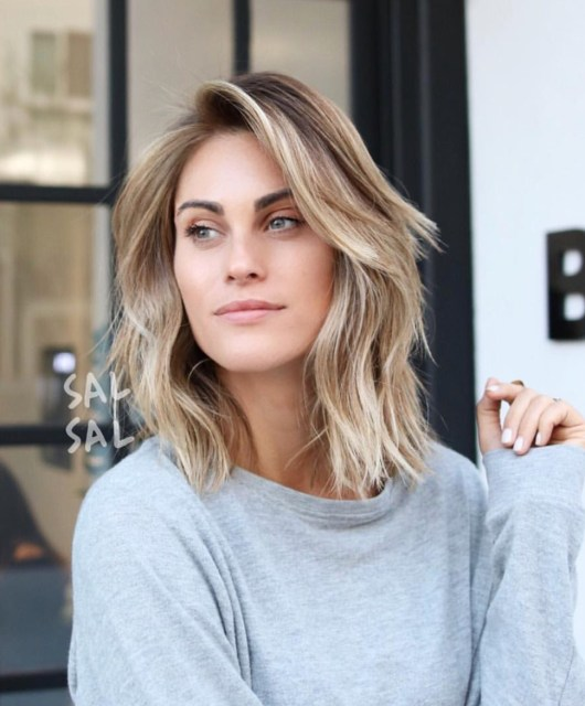 Jen Hawkins shoulder length hair style on Palms to Pines style blog