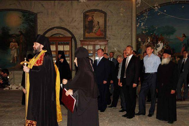 Молебен на Сергиевском подворье памяти председательницы ИППО - Великой княгини Елизаветы Федоровны