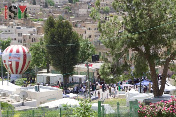 Settlers 'celebrating Pesaach' while Palestinians are denied access to the area