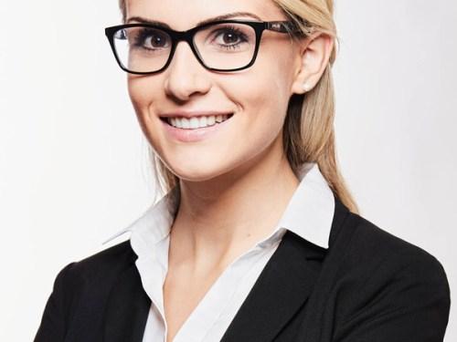 business-fotografie-frau-mit-blonden-haaren