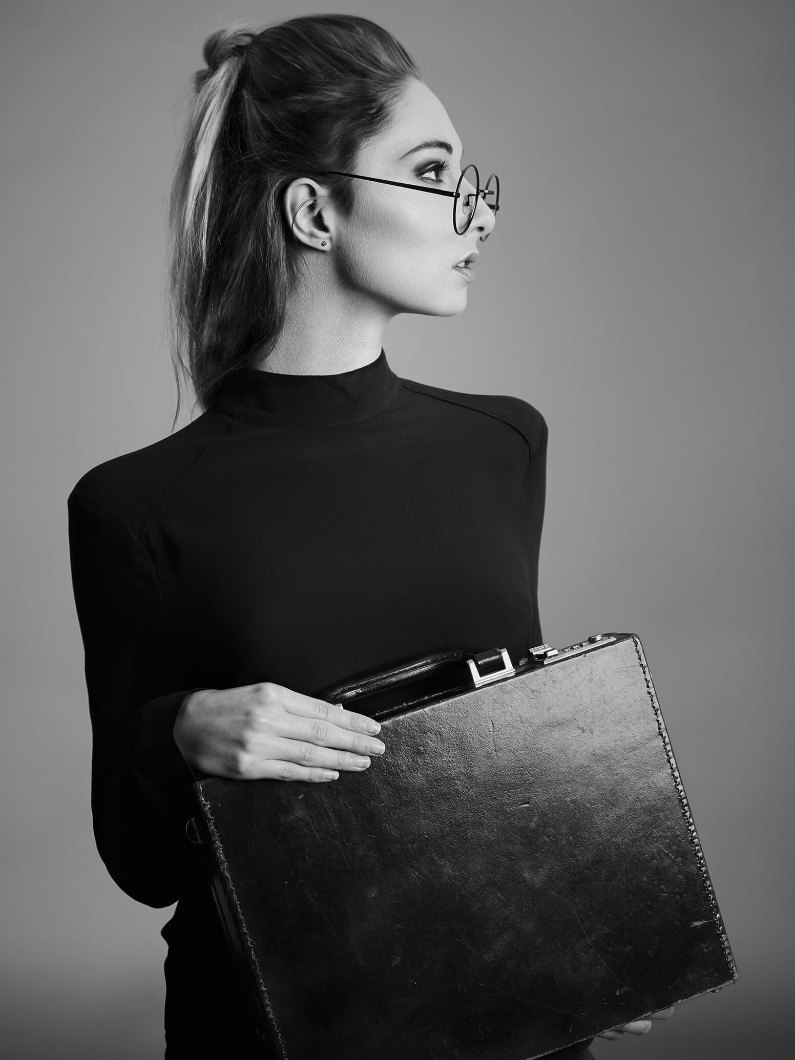 cpfotografie-fotograf-flawil-ostschweiz-model-mit-koffer Portrait Fotografie Blog Portrait