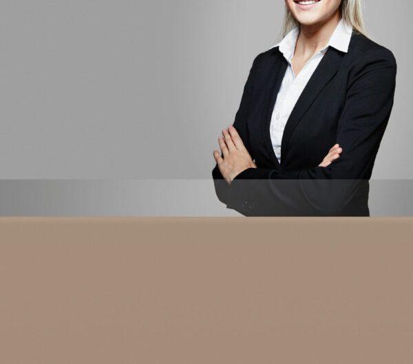professionelle-bewerbungsfotos--frau-mit-anzug-01