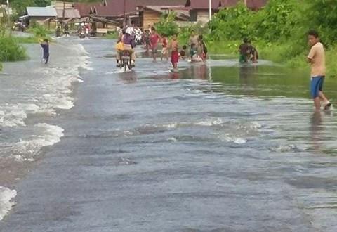 Banjir-Petasia3