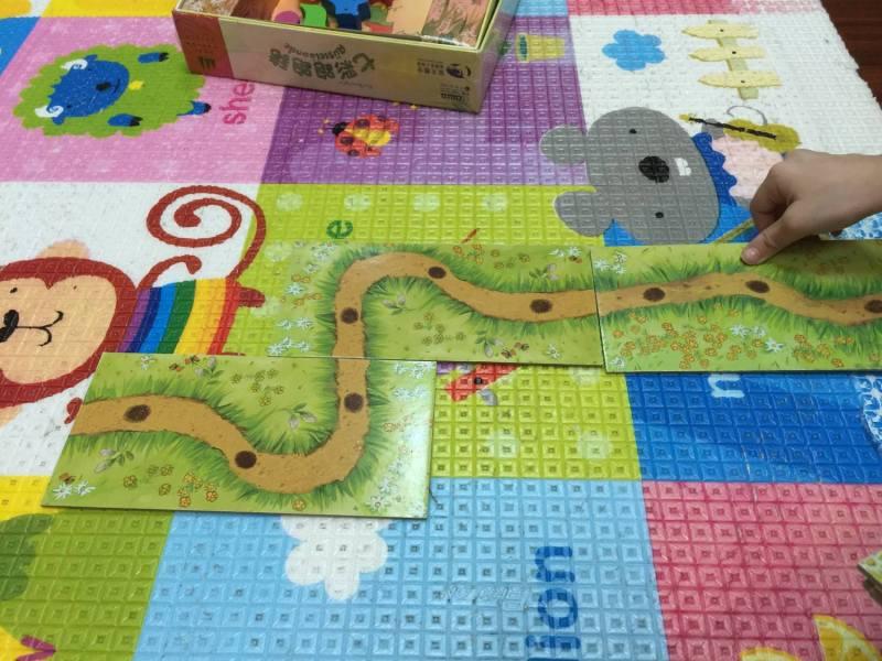 排道路圖版就是獨立的小遊戲,適合小小孩