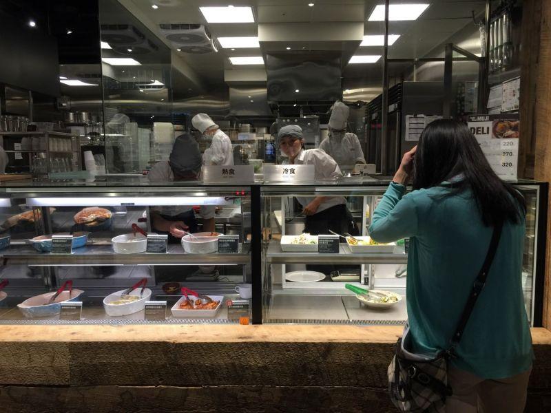 透明的開放式廚房