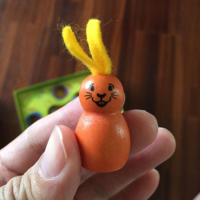 可愛的木製兔子