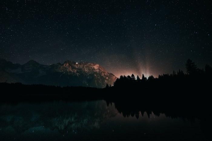 astronomy-backlit-constellation-1421903