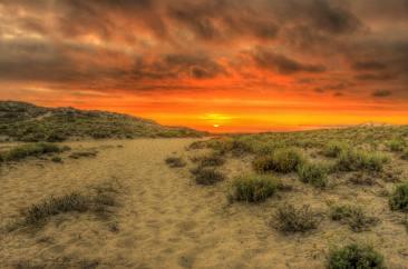 clouds-dawn-desert-149941