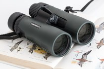 binoculars-blur-close-up-373335