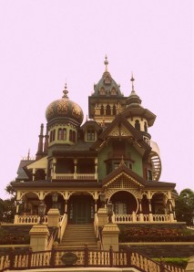 Mystic Manor, in the vein of the Haunted Mansion - Manu's and my favorite attraction