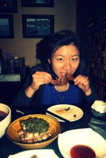 Xu Er enjoying a head