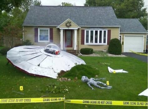 Halloween flying saucer crash
