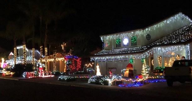 San Diego Christmas Lights.Best San Diego Holiday Lights Guide 2018 North San Diego