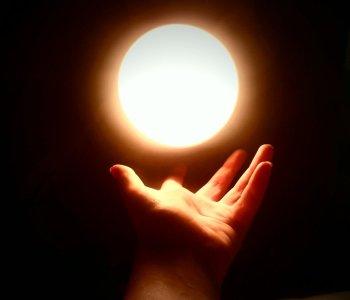light_of_the_world_by_pantalamonshan-d56yqcs