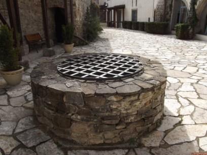 studňa hradu Liptovský Hrádok