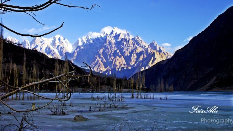 [Pictorial] Winter views of the dammed Hunza River by Faiz Ali