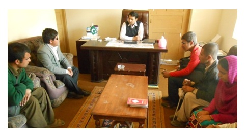 A delegation of the VIP Association holding a discussion with the Deputy Commissioner