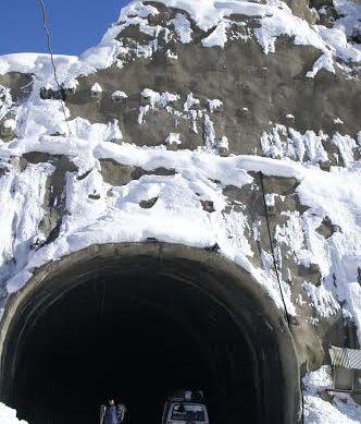 Lawari closure affecting residents of Chitral