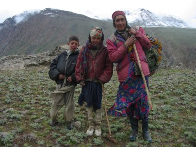 The permanent residents of Boroghil are indigenous Wakhi speakers. There are believed to be around 250 families in the valley . The quality of life is low and basic amenities are missing