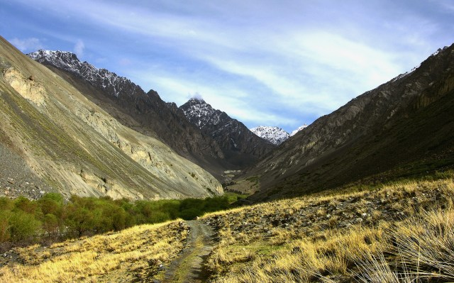 Deek in the Khunjerab Valley are pastures and green valleys which the travelers on KKH cannot see
