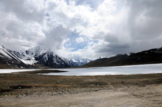 The Khunjerab Top remains covered with snow for more than half of the year