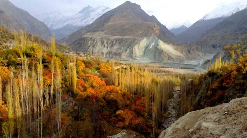 14 amazing photographs of autumn in the Hunza Valley