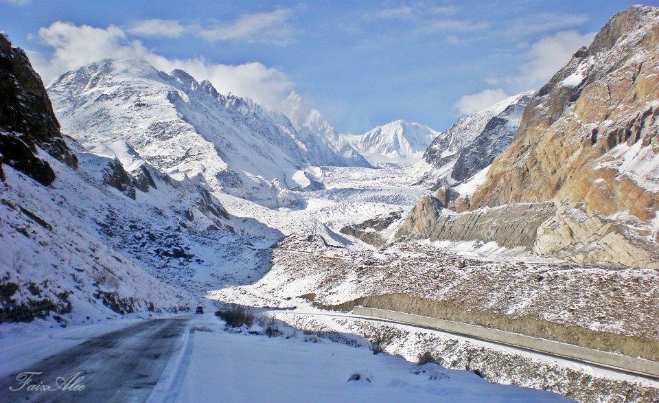 faiz-ali-passu-glacier