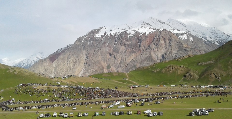 Another view of the Qaqlasht plateau