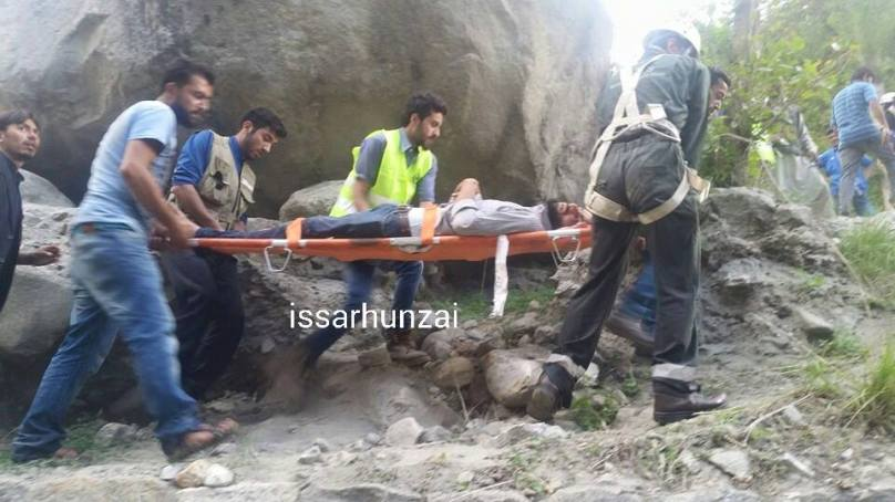 14 passengers injured as private transport vehicle meets an accident in Altit, Hunza