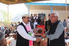 chief-guest-mr-fida-khan-fida-minister-for-planning-and-development-gb-presents-appreciation-award-to-hashoo-foundation