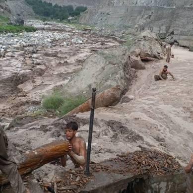 Laborer missing, traffic suspended on Babusar road, after rains trigger floods and landslide in Diamer