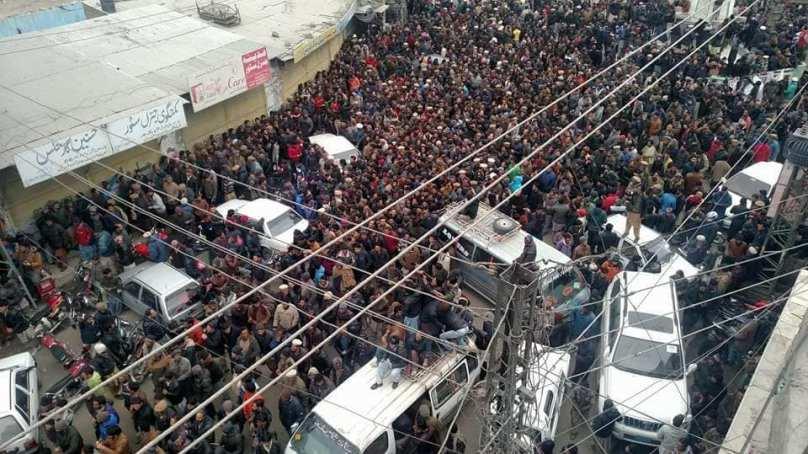 Thousands march towards Gilgit against taxes
